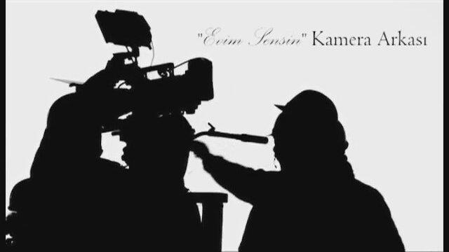 Evim Sensin Leyla - Fahriye Evcen Kamera Arkası