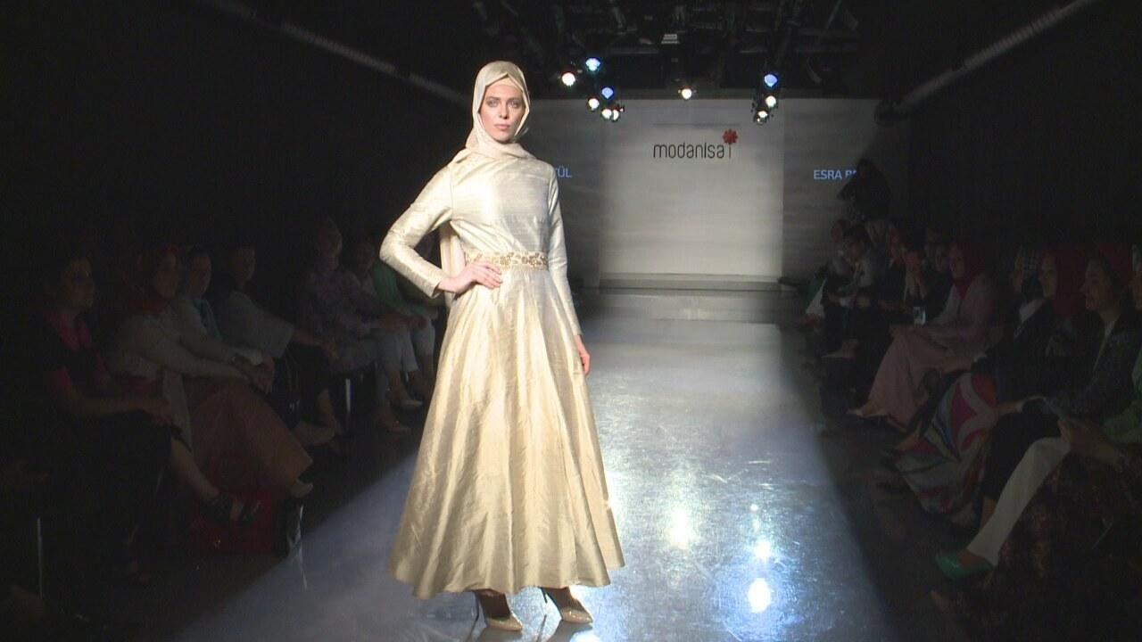 Esra Bet L Hijab Fashion Show 2014 Video