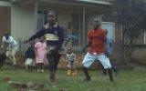 Dansa Boyut Atlatan Afrikalı Çocuklar