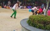 Asyalıların Balon Patlatma Oyunu